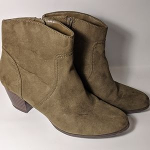 A.n.a ankle booties boots heel zipper faux suede